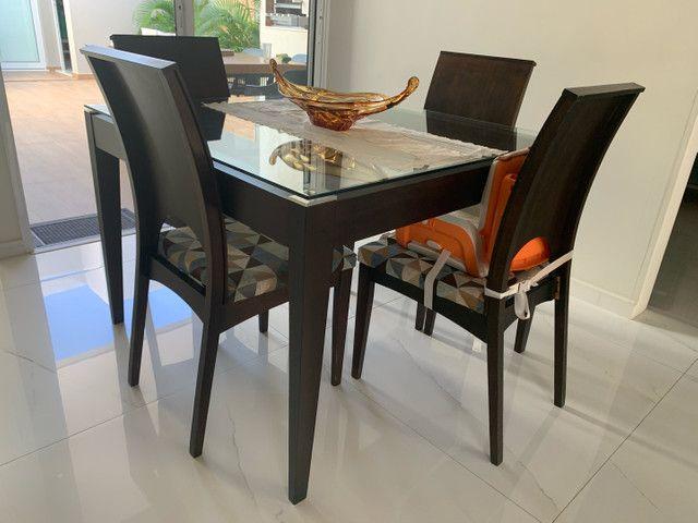 Mesa de jantar com tampo de vidro 1,10x1,10 (LINDA)