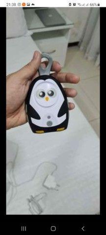 Babá eletrônica Multlazer papai pinguim - Foto 3