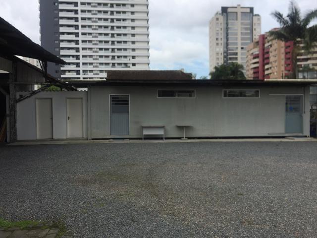 Aluga-se container no centro de Joinville