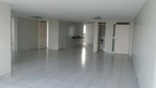 Apartamento no alto branco
