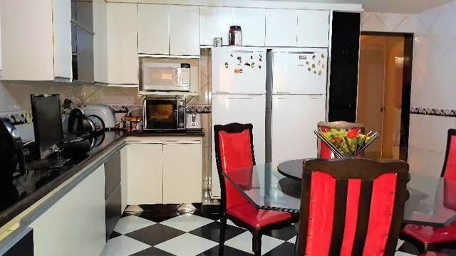 Amplo Sobrado QE 13 Guará 2, 4 quartos, 9 vagas de garagem + Laze - Foto 18