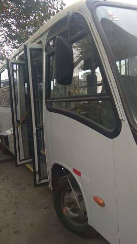 Micro ônibus Comil de 24 lugares ano 2008 - Foto 4