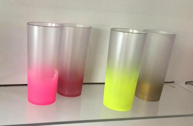 Vendo copos long drinks, cores variadas. frete grátis