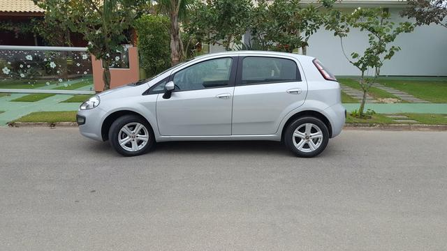 Vendo Fiat Punto Attrative 1.4 8v Fire - Foto 2
