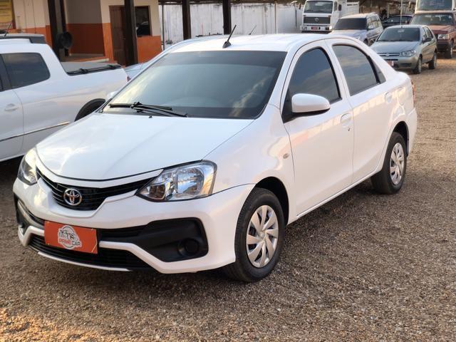 Toyota - Etios 1.5 X Sedan - Automático 2018 - Foto 3