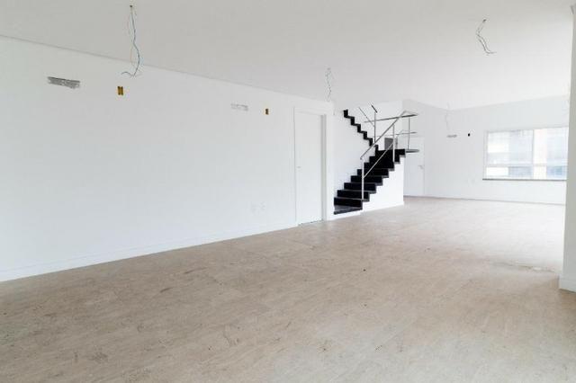Brisas do Meireles, apartamento duplex com 3 suítes, gabinete, 4 vagas de garagem, - Foto 3