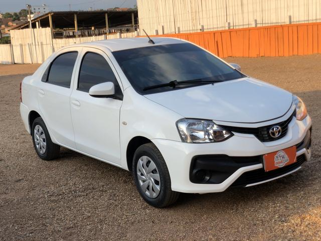 Toyota - Etios 1.5 X Sedan - Automático 2018 - Foto 4