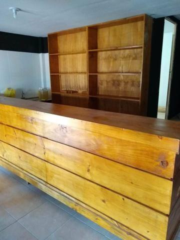 Balcão restaurante madeira maciça.700.00 - Foto 5