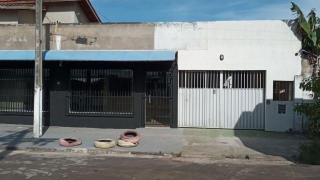 Casa com ponto comercial, 04dormitorios no Jardim Felicidade I, Macapá