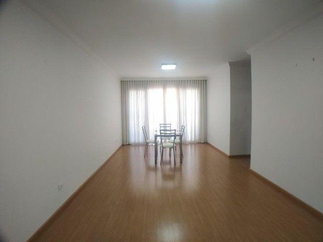 Locação | Apartamento com 104.46 m², 3 dormitório(s), 1 vaga(s). Zona 07, Maringá - Foto 3