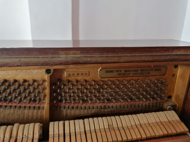 Piano PETROF ótimas condições.  - Foto 5