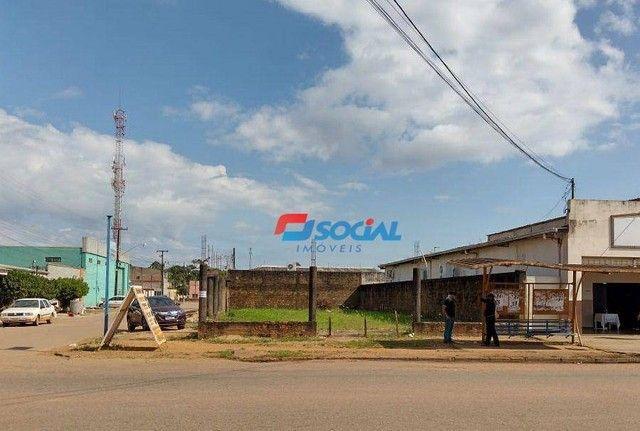 Terreno Comercial de Esquina para Locação em Localização Privilegiada, Av. Jatuarana (100m - Foto 4