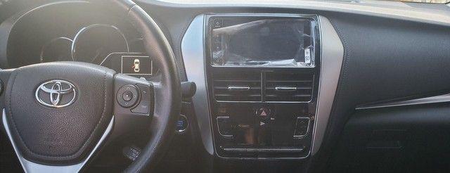 Toyota yaris sedan xls com teto completo todo original de fábrica  - Foto 13