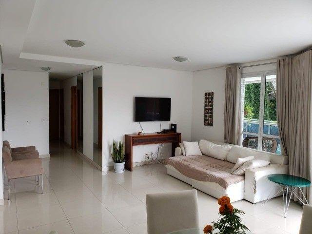 (Condomínio Bellagio) apartamento c/ 3 suítes + 147m², mobiliado