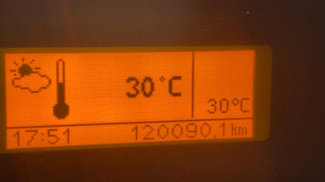 VW 270 ano 2013 com ar condicionado + informações na descrição  - Foto 16