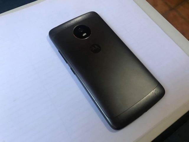Vendo celular Motorola moto g5