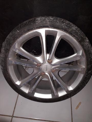 Vendo aro 17 com pneus meia vida zap 8284-0678