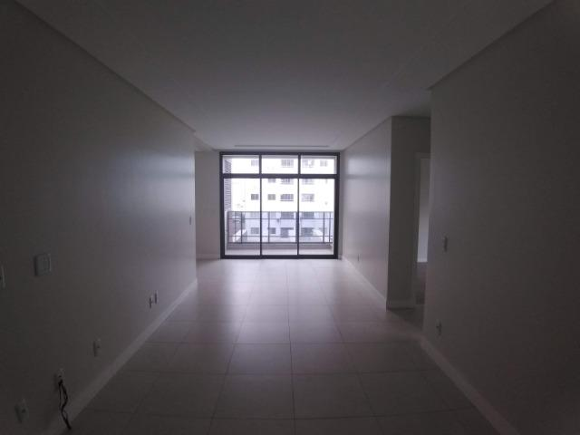 Apartamento 2 Suítes 97 M².Sacada com Churrasqueira, Lavabo, 1 Vaga no Centro - Foto 4