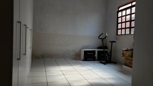 Casa simples com iptu 3quartos lote 270m2 rua 8vila São José Vicente Pires - Foto 8
