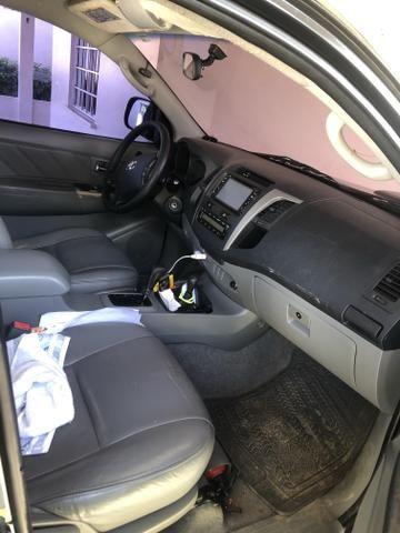 Vende-se Hilux Srv diesel 09/10 automática - Foto 3