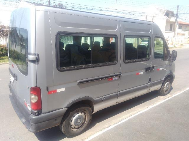 Renault Master 2.5 - 16 Lugares - Ano 2009 - R$ 52.000,00 - Foto 2