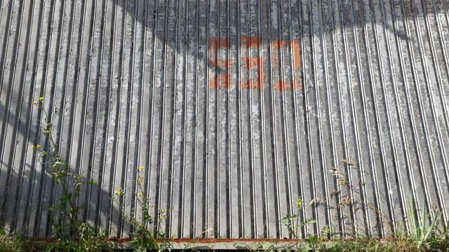 Vendo um portão de 4 metro de largura e 2 metro de altura por 500 reais - Foto 2