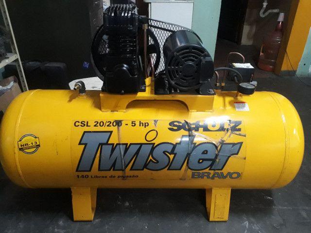 Compressor SCHULZ 20pés/200litros/140libras/Trifásico, OTIMO ESTADO,