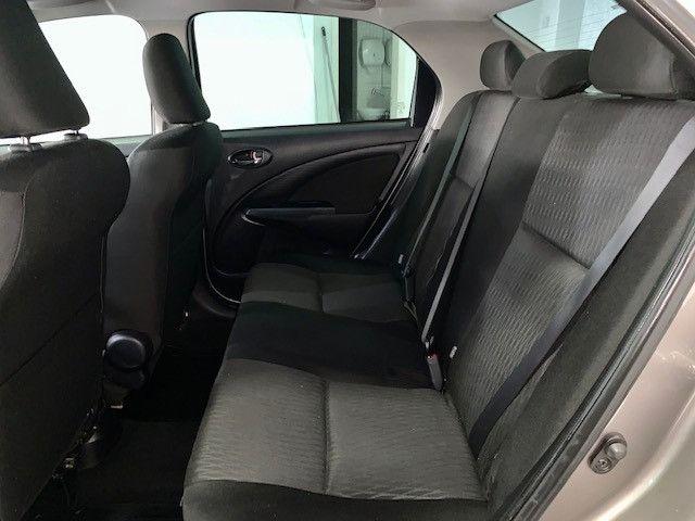 Etios XS Sedan 1.5 2018 - Foto 11