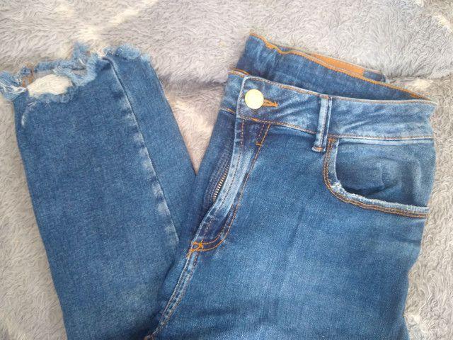 Calça jeans usada ótimo estado - Foto 2