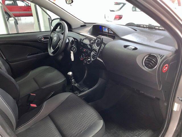 Etios XS Sedan 1.5 2018 - Foto 10