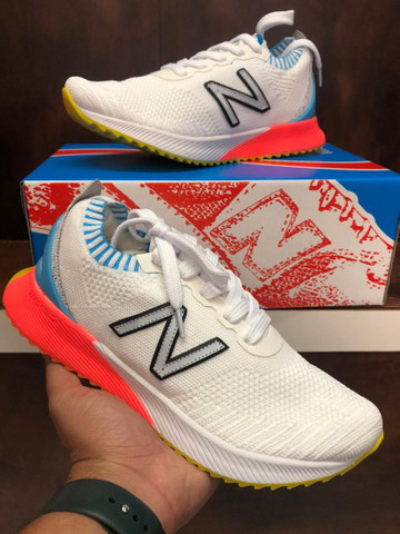 Tênis New Balance Fuelcell $280 - Foto 2