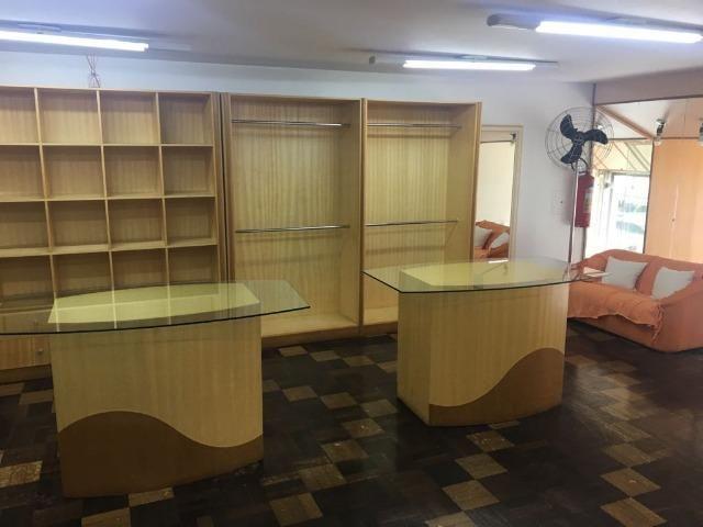 Móveis de marcenaria para loja de confecções em marfim - Foto 6