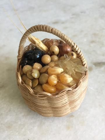 Resultado de imagem para cesto da fartura artesanato com grãos