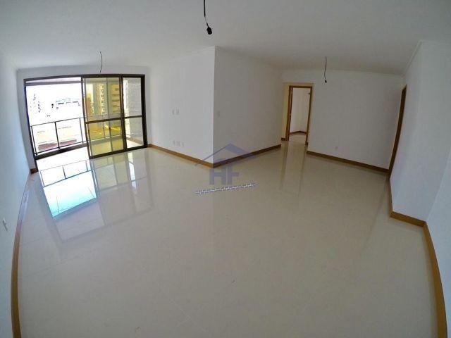 Apartamento novo com 4 suítes (1 máster) - Edifício Cidade Guimarães - Ponta Verde