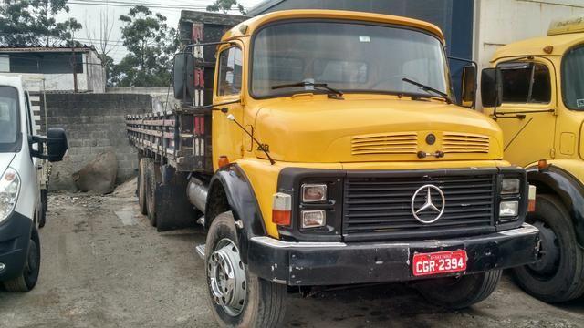 Vendo Caminhão Mercedes Benz 2013