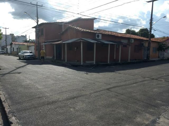 Casa no Porenquanto próx da Clínica Santa Fé de esquina