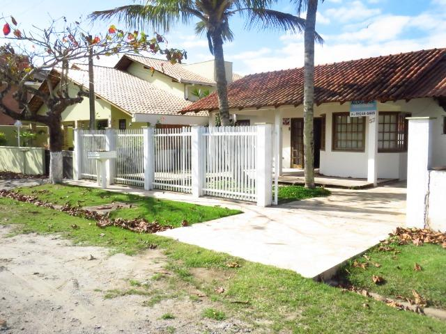 Casa com piscina em Itapoá ,3 quartos(1 suíte), ar, wifi, monit. 24h, 60 metros da praia - Foto 2