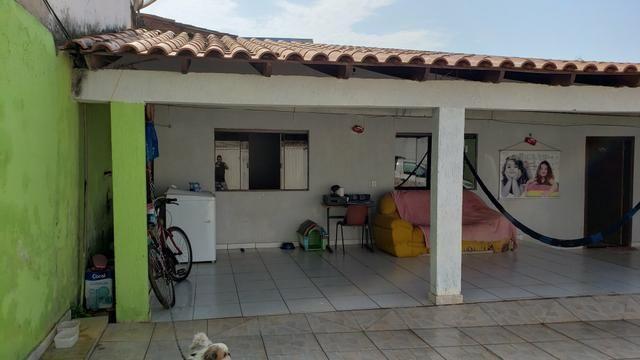 Casa simples com iptu 3quartos lote 270m2 rua 8vila São José Vicente Pires - Foto 3