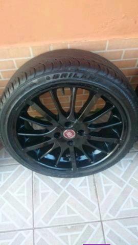 Barbada Roda 17 com pneu Pra vender hje - Foto 3
