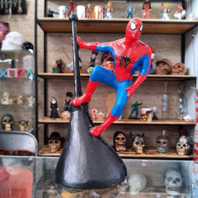 """Action Figure do Homem Aranha """"poste"""""""