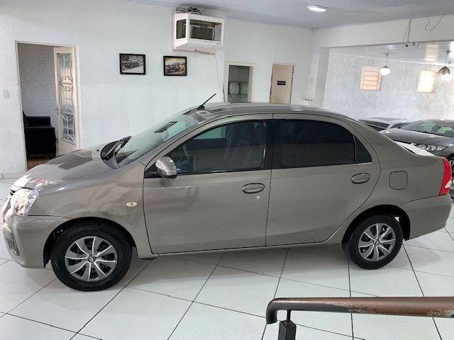 Etios XS Sedan 1.5 2018 - Foto 5