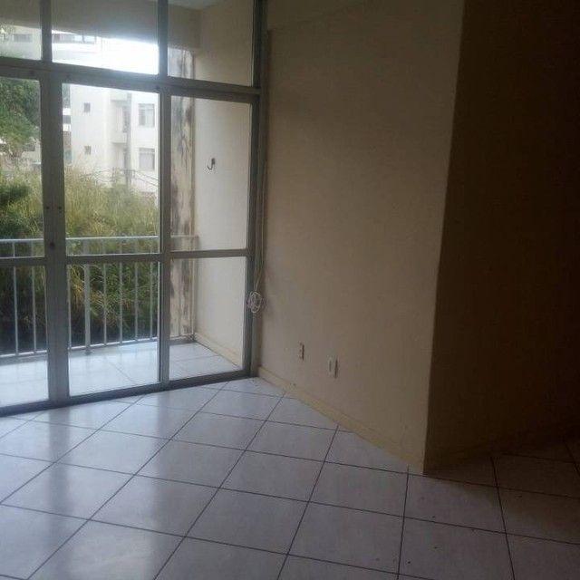 Apartamento para venda tem 80 metros quadrados com 2 quartos em Costa Azul - Salvador - BA