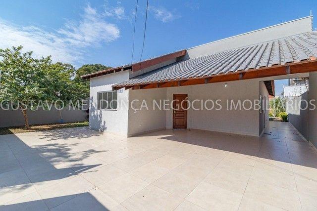 Casa térrea no Rita Vieira 1 toda reformada, com piscina e no asfalto!
