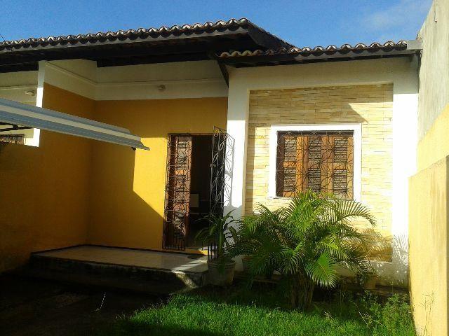 Casa bem localizada em Maranguape