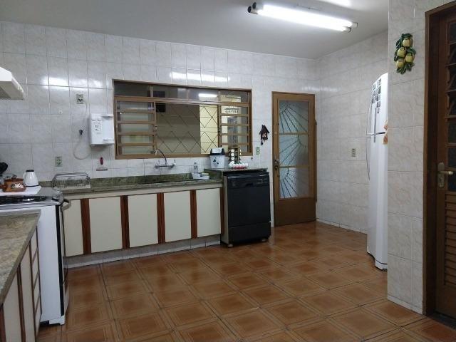 Excelente Sobrado QE 28 Guará 2, 5 suítes, 5 vagas de garagem cobertas + lazer - Foto 12