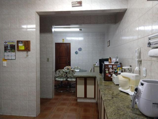 Excelente Sobrado QE 28 Guará 2, 5 suítes, 5 vagas de garagem cobertas + lazer - Foto 17