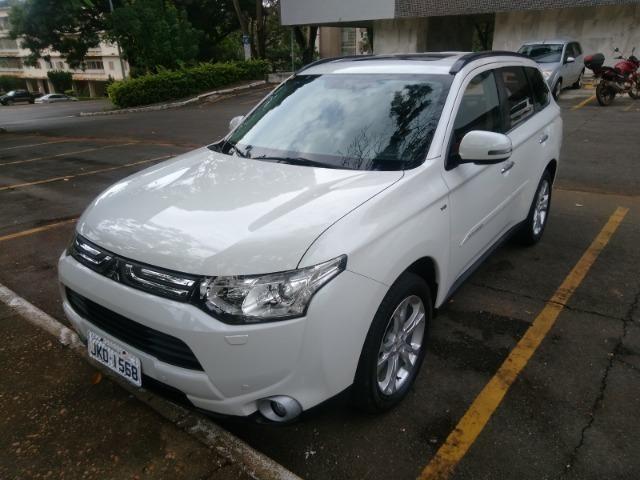 Mitsubishi Outlander 3.0 V6 4WD, BARATA e bem conservada