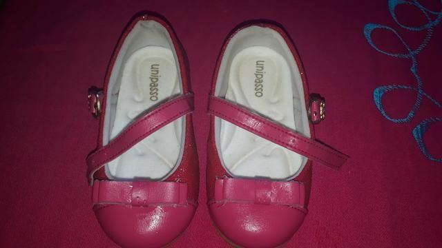 Vendo essa linda sandalia infantil feminina