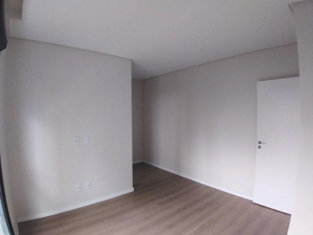 Apartamento 2 Suítes 97 M².Sacada com Churrasqueira, Lavabo, 1 Vaga no Centro - Foto 15