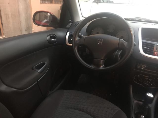 Peugeot 207 ano 2013 - Foto 8